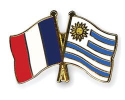 Banderas de Francia y Uruguay